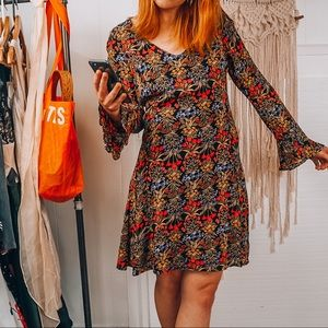 Old Navy Retro bell sleeve floral dress